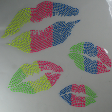 Transfert Strass Hot Fix LIPS KISS